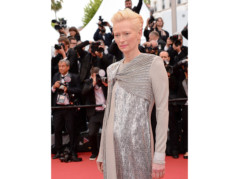 Cartier - Tilda Swinton wore Agraffe de Cartier cuff bracelet in white gold set with brilliant-cut diamonds