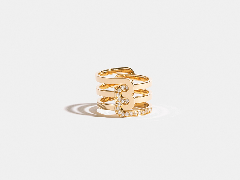 JEM - Etreintes ring mounted on Fairmined yellow gold set with lab-grown diamonds