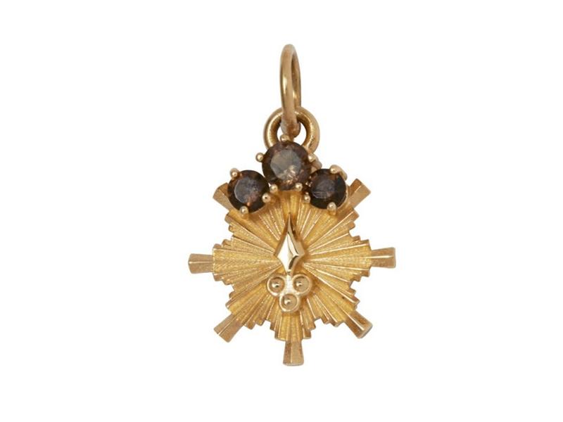 Foundrae - Médaillon miniature symbolisant le bois en or et ornée de topazes