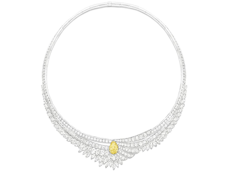 "Piaget - ""Golden Hour"" necklace adorned with a yellow diamond and white diamonds"