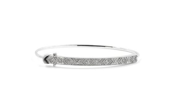 De Jaegher Loveliness cuff mounted on sterling silver set with white diamonds