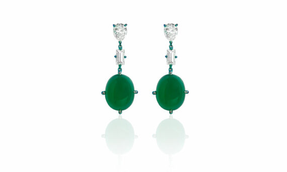 Callas earrings mounted on titanium set with diamonds and green agate