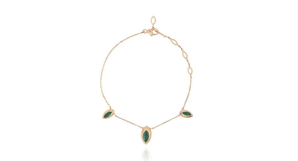 Swinging pendant bracelet