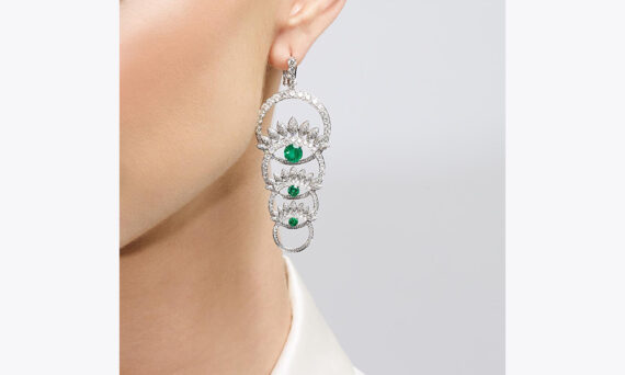 Tabayer The Third Eye Earrings porte