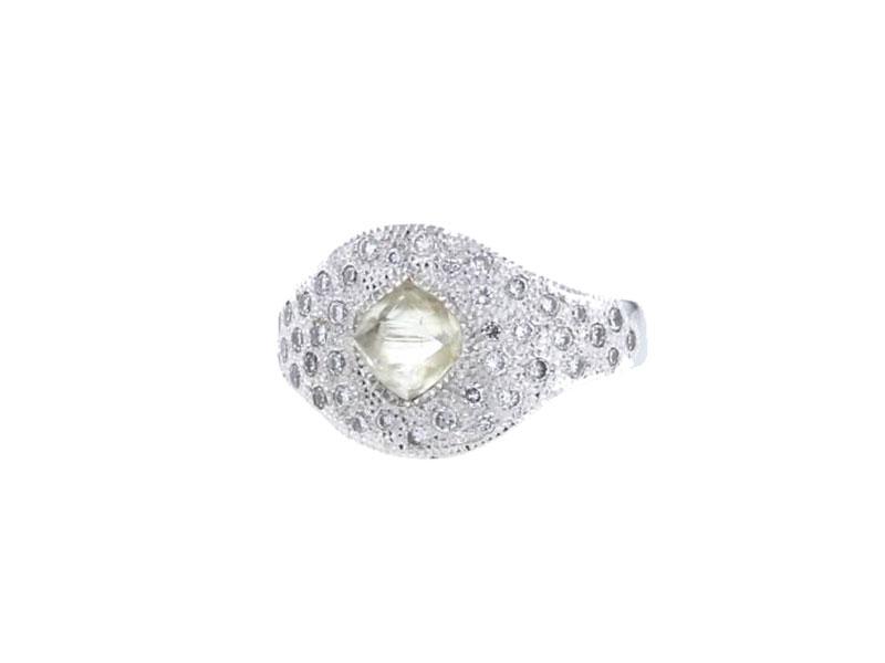 De Beers - Bague sertie d'un diamant brute