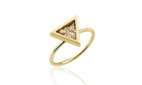 Anastazio Jewellery Athena Ring mounted on 18kt yellow gold set with one diamond