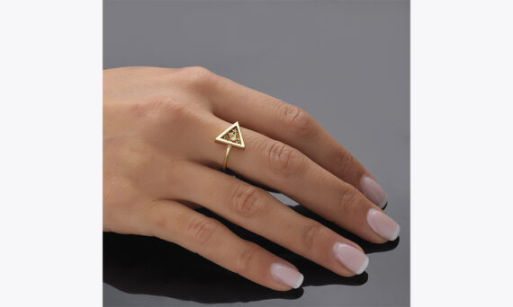 Anastazio Jewellery Eos ring lifestyle