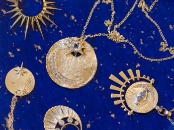 4 créateurs à suivre pour adopter la tendance des médaillons talismans