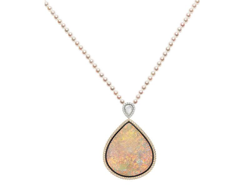 Dior - Collier en Opale blanche XXL