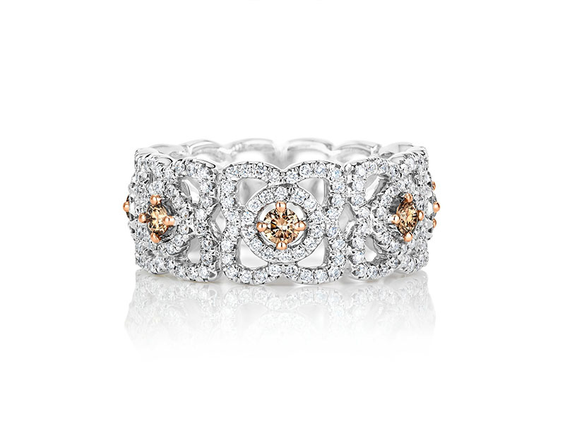 De Beers - Enchanted Lotus Band with fancy coloured centre diamonds