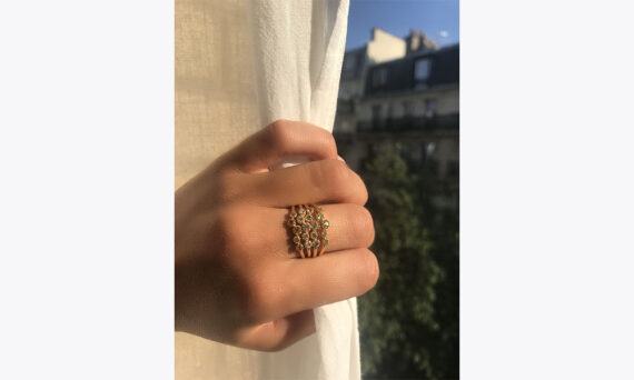 Magic Topkapi 5 ring yellow gold diamonds-lifestyle