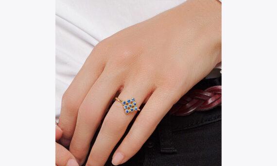 Maison Artaner Magic Topkapi Sapphire Ring-lifestyle
