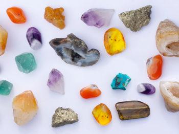 Deux créatrices nous dévoilent leurs 5 cristaux fétiches pour booster sa confiance en soi