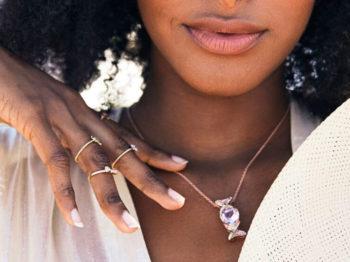 Pierre de naissance : 5 bijoux à offrir à une vierge